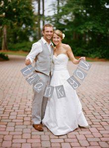 結婚式の写真は、アイテム次第でこんなにオシャレになる!