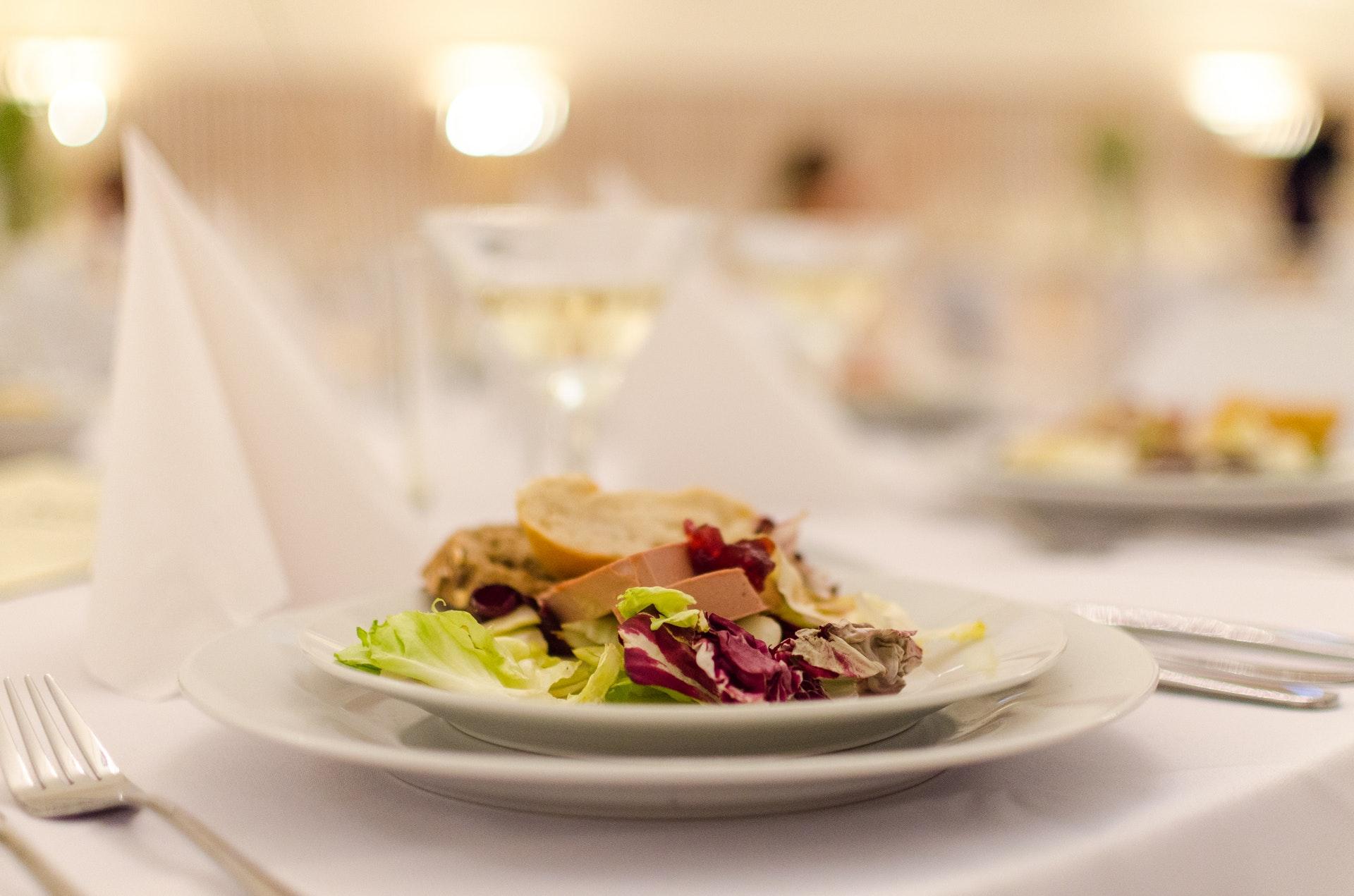 結婚式 見積もり 見方 料理