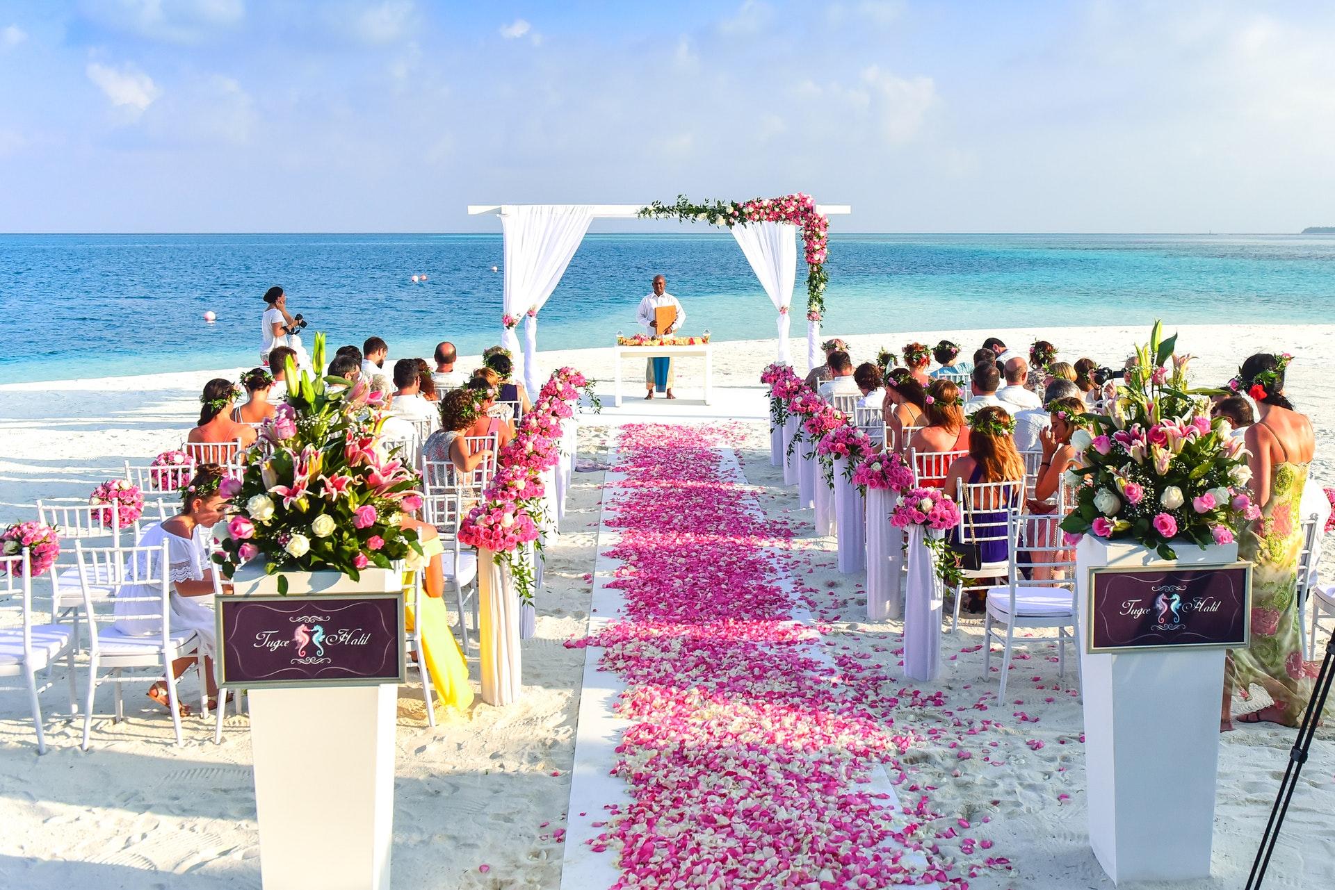 プロポーズ から 結婚式 まで 段取り 挙式 決める