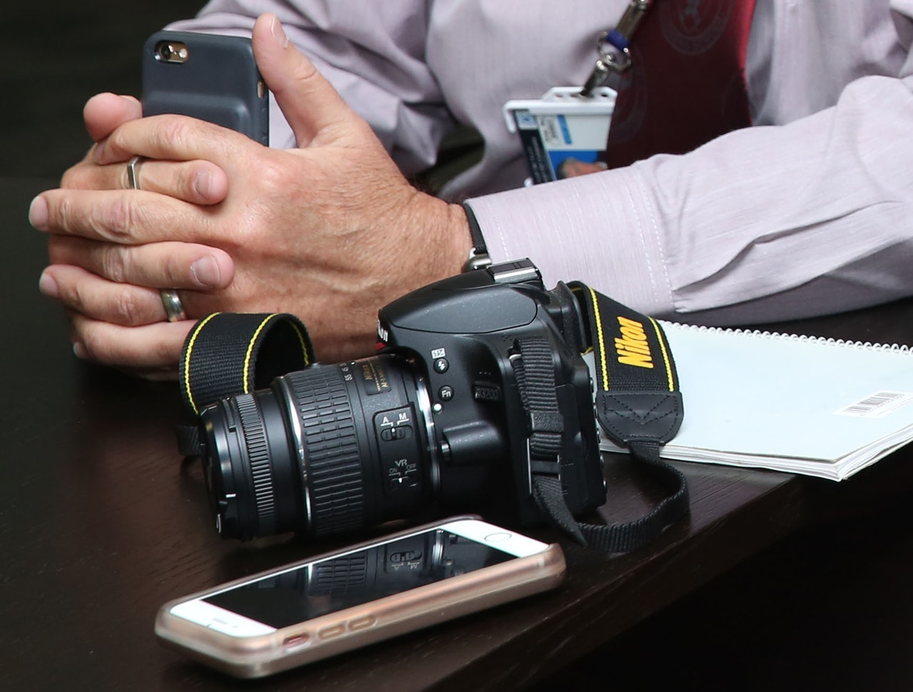 映像カメラマン 持ち込み 節約
